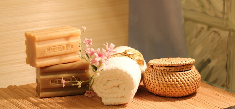 Keep Your Skin Glowing With Natural Beauty Products